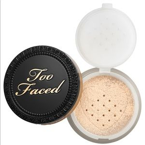 NWT too faced born this way translucent powder